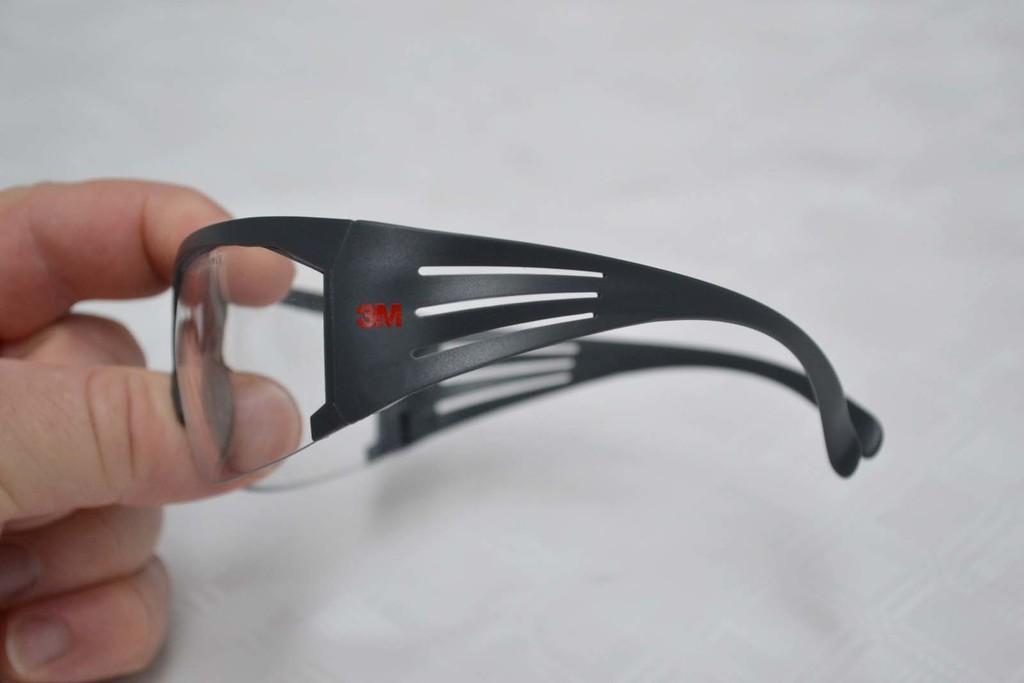 Des branches de lunettes souples