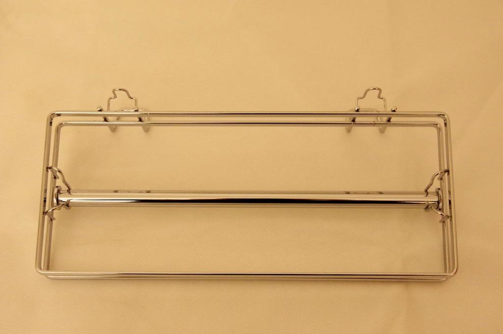Le porte essuie-tout Wenko a un design sommaire